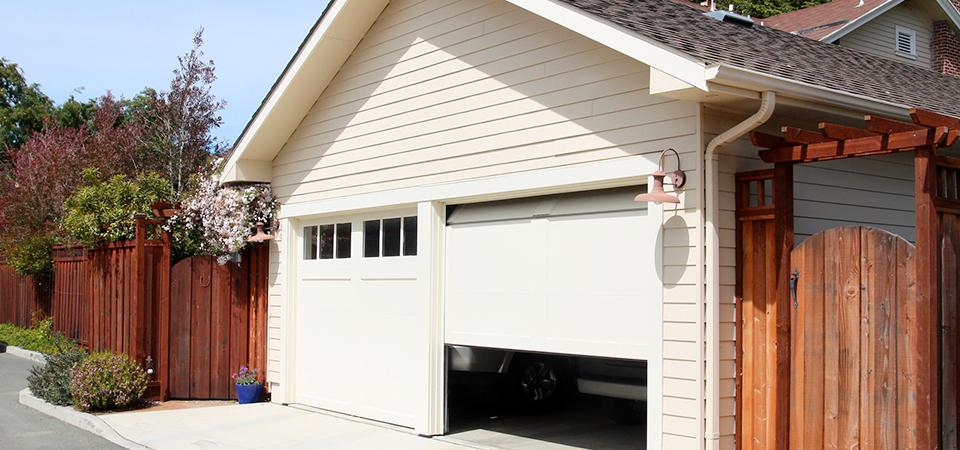 Top 4 Reasons Why Your Garage Door Is Not Working Properly