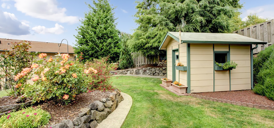Some Pros & Cons Of Hiring A Garden Shed Contractor